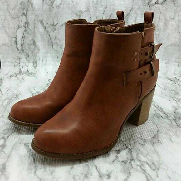2f4fb8ff8b2c Torrid Side Zip Ankle Boots Brown Buckles 10 Wide.  M 5b40ef2861974514c7e12b02